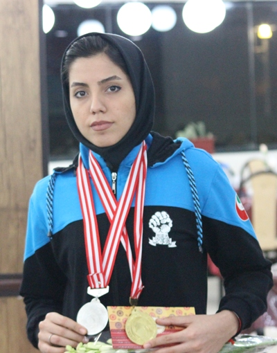 زهرا اشرف السادات