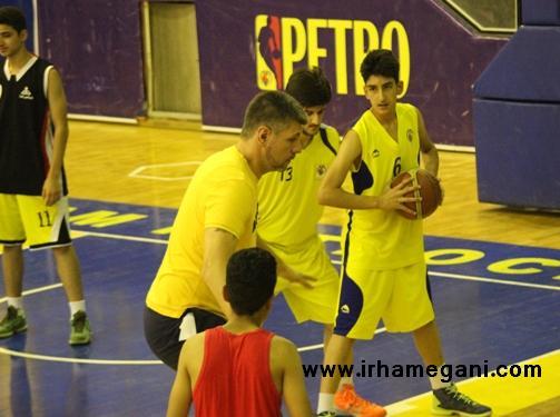 مربی صربستانی باشگاه پتروشیمی بندرامام بسکتبال