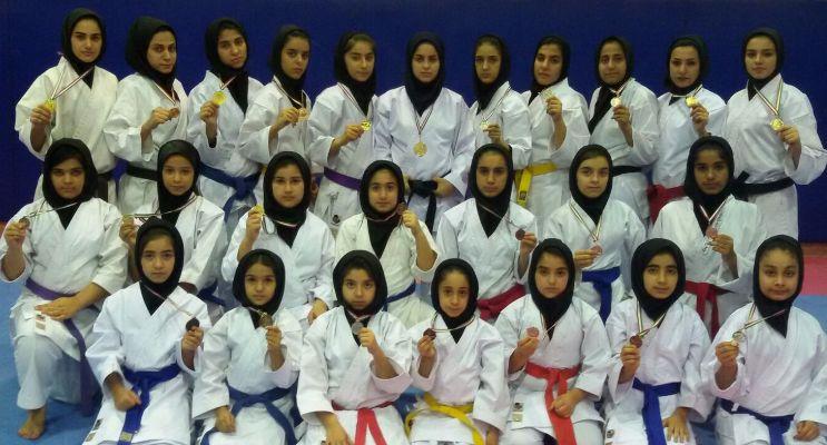 کاراته بانوان ماهشهر در کشور